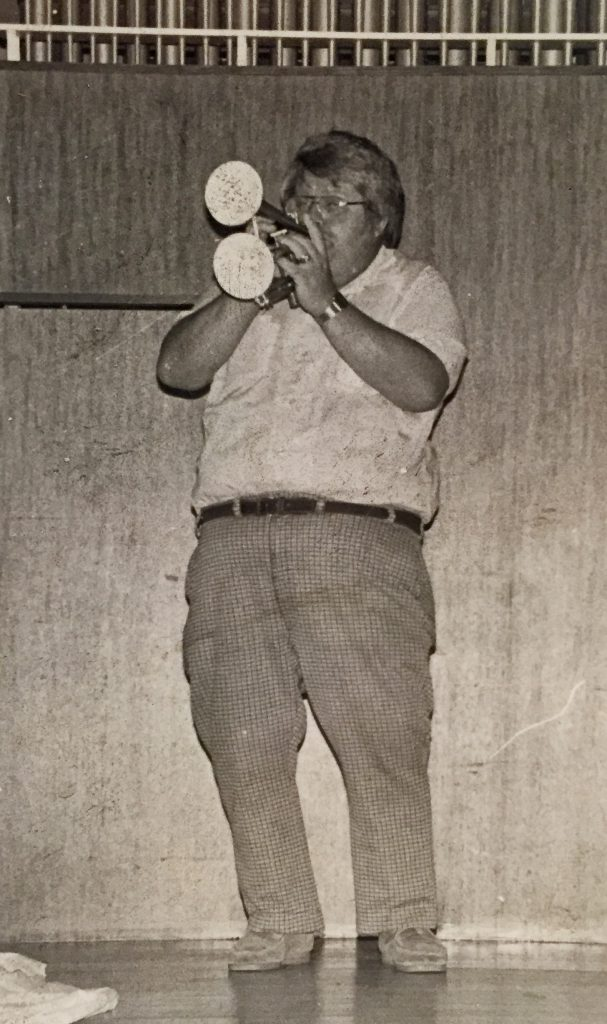 Don_Kramer_and_double_bell_trumpet_around_1980
